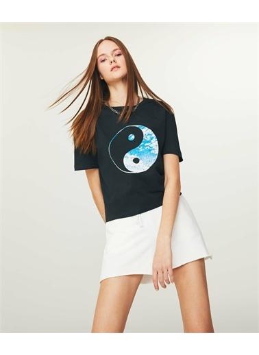 Twist Kadın Grafik Baskılı  Crop Tişört TS1210070219036 Gri